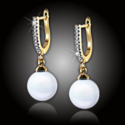 Pozlátené perlové náušnice Marianne White Pearl